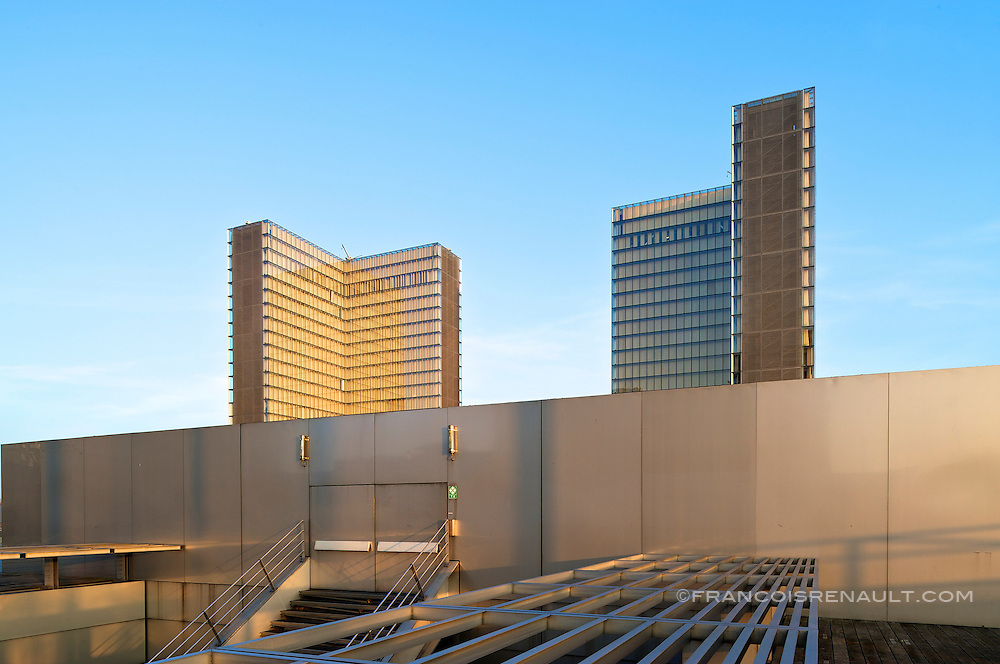 Bibliotheque Nationale Francois Mitterrand, Paris. Architecte Dominique Perrault.