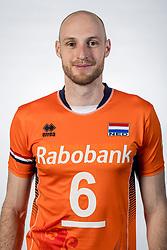 10-05-2017 NED: Selectie Nederlands volleybal team mannen 2017, Arnhem<br /> Op Papendal werd de selectie gepresenteerd / Jasper Diefenbach #6
