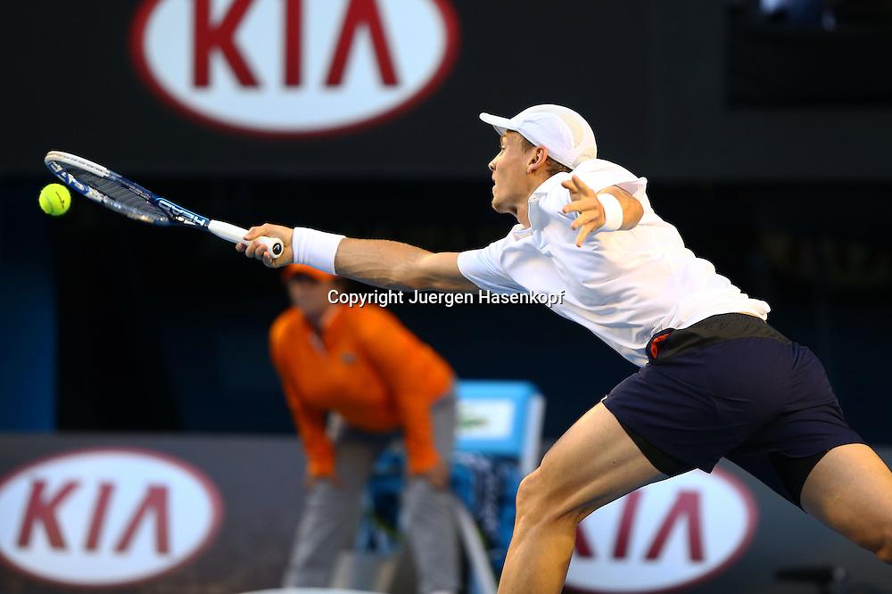 Australian Open 2013, Melbourne Park,ITF Grand Slam Tennis Tournament ,Tomas Berdych (CZE),Aktion,Einzelbild,Halbkoerper,Querformat,