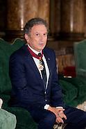 Michel Drucker reçoit le titre de Commandeur de l'Ordre de la Couronne