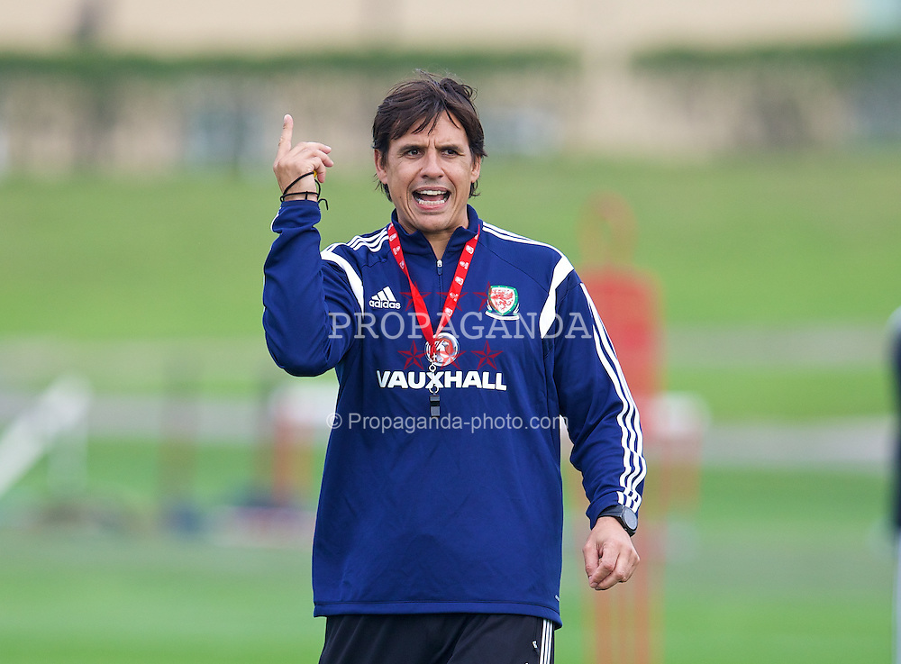CARDIFF, WALES - Friday, September 5, 2014: Wales' manager Chris Coleman training at the Vale of Glamorgan ahead of the opening UEFA Euro 2016 qualifying match against Andorra. (Pic by David Rawcliffe/Propaganda)