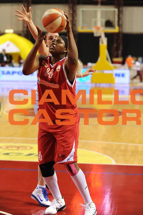 DESCRIZIONE : Perugia Lega A1 Femminile 2010-11 Coppa Italia Semifinale Officine Digitali Faenza Famila Schio<br /> GIOCATORE : Isabelle Yacoubou<br /> SQUADRA : Famila Schio<br /> EVENTO : Campionato Lega A1 Femminile 2010-2011 <br /> GARA : Officine Digitali Faenza Famila Schio<br /> DATA : 12/03/2011 <br /> CATEGORIA : tiro<br /> SPORT : Pallacanestro <br /> AUTORE : Agenzia Ciamillo-Castoria/M.Marchi<br /> Galleria : Lega Basket Femminile 2010-2011 <br /> Fotonotizia : Perugia Lega A1 Femminile 2010-11 Coppa Italia Semifinale Officine Digitali Faenza Famila Schio<br /> Predefinita :