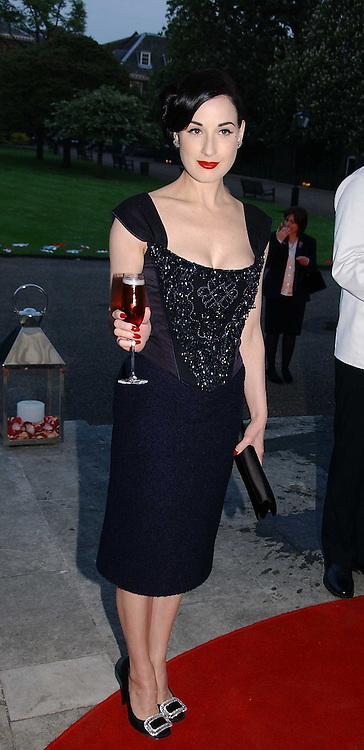DITA VON TEESE at a party to celebrate the opening of Roger Vivier in London held at The Orangery, Kensington Palace, London on 10th May 2006.<br /><br />NON EXCLUSIVE - WORLD RIGHTS