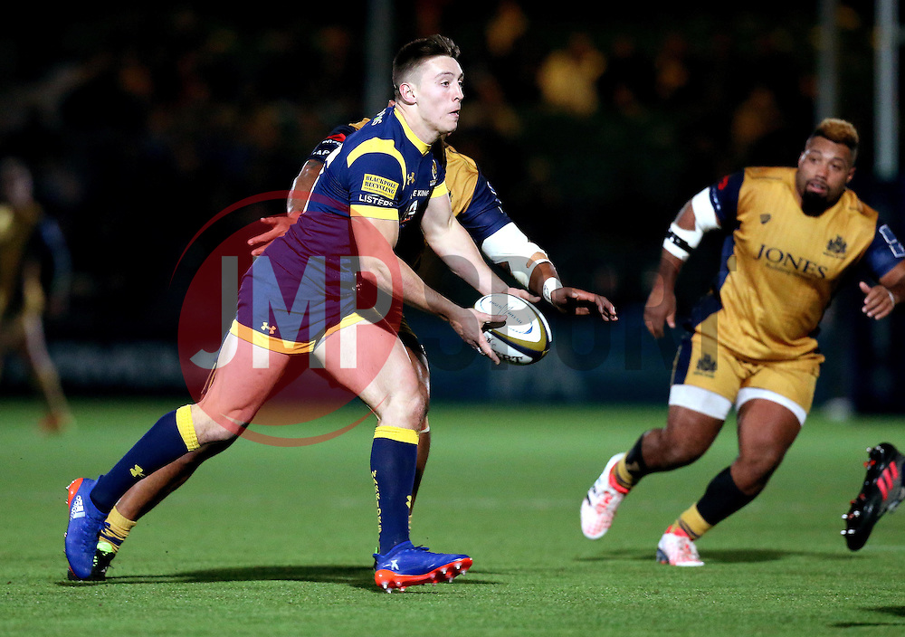Josh Adams of Worcester Warriors passes the ball - Mandatory by-line: Robbie Stephenson/JMP - 04/11/2016 - RUGBY - Sixways Stadium - Worcester, England - Worcester Warriors v Bristol Rugby - Anglo Welsh Cup