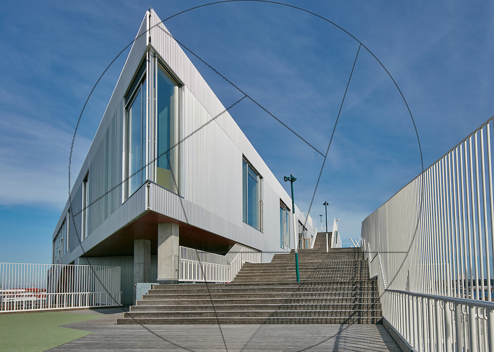 Skolen i Sydhavnen, Nybyggeri, skole, Københavns Byggeri. Sydhavnen, eksteriør, facader, hjørnevindue, betontrappe