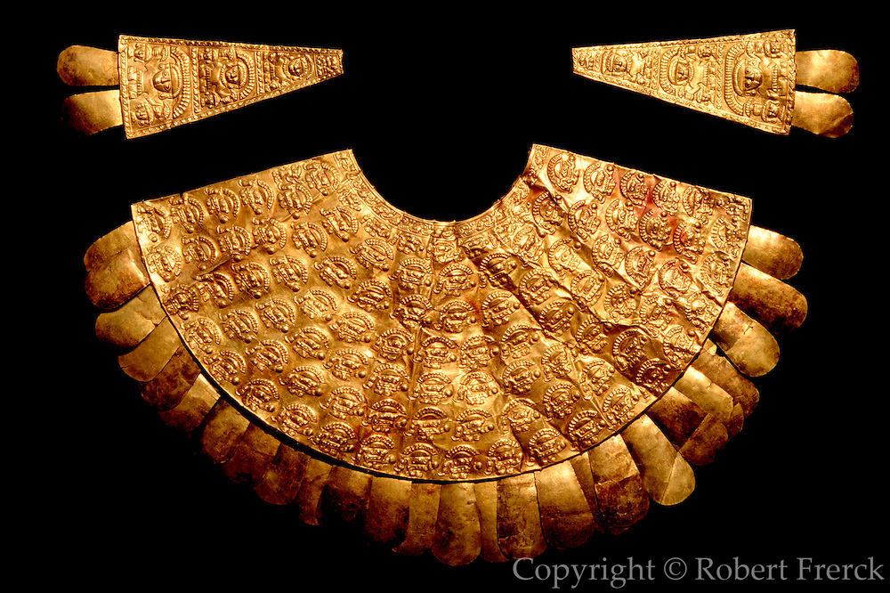 PERU, PRECOLUMBIAN, GOL Chimu; gold breastplate (pectoral)