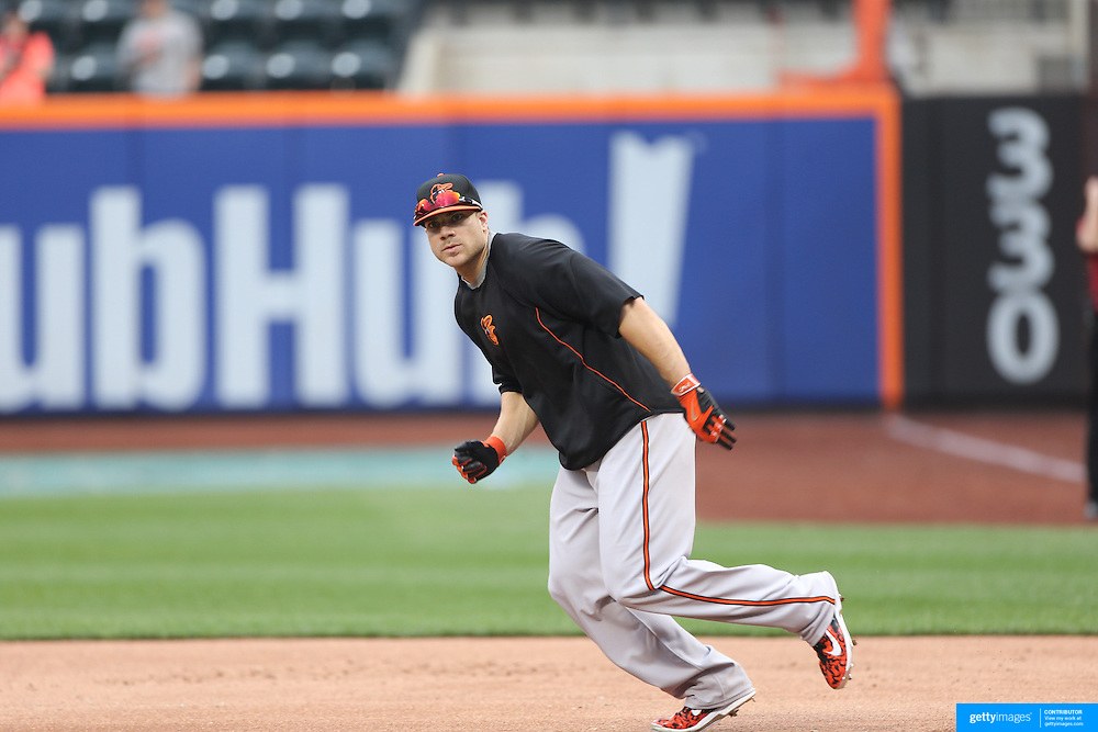 Chris Davis, Baltimore Orioles, during batting practice before the New York Mets Vs Baltimore Orioles MLB regular season baseball game at Citi Field, Queens, New York. USA. 5th May 2015. Photo Tim Clayton