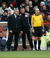 Photo: Richard Lane/Richard Lane Photography. Nottingham Forest v Cardiff City. Coca Cola Championship. 24/10/2008. Dave Jones (L) disagrees with a decision