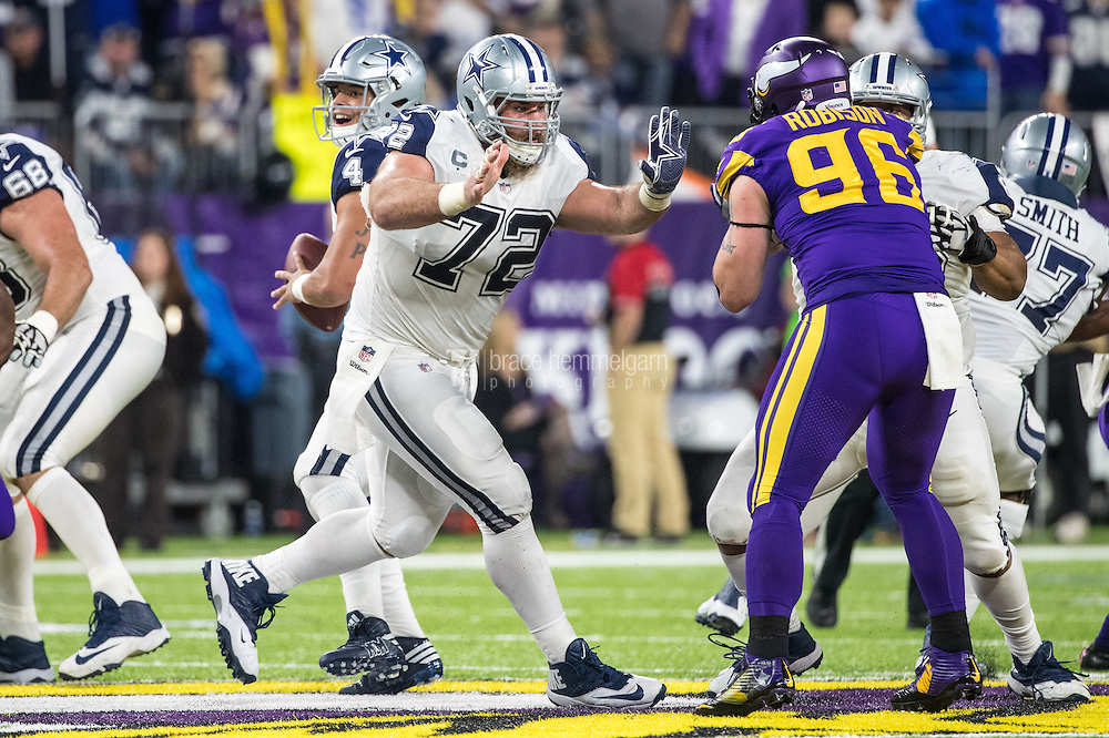 Dec 1, 2016; Minneapolis, MN, USA; Dallas Cowboys offensive lineman Travis Frederick (72) during a game between the Dallas Cowboys and Minnesota Vikings at U.S. Bank Stadium. The Cowboys defeated the Vikings 17-15. Mandatory Credit: Brace Hemmelgarn-USA TODAY Sports