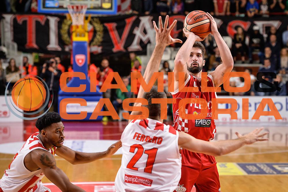 Pallacanestro Cantu' - Dolomiti Energia Trento<br /> Basket serie A 2017/2018<br /> Varese 22/10/2017<br /> Foto Mattia Ozbot /Ciamillo-Castoria