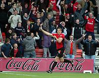 Photo: Kevin Poolman.<br />AFC Bournemouth v Brentford. Coca Cola League 1. 06/05/2006. Bournemouth's Steve Fletcher celebrates his goal.