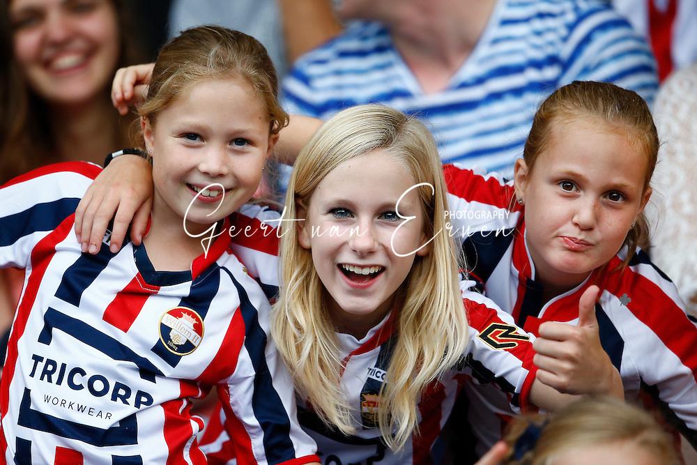 30-07-2016 VOETBAL:WILLEM II - RCD MAILLORCA:TILBURG<br /> Koningsdag Willem II wedstrijd<br /> Jonge supporters van Willem II<br /> Foto: Geert van Erven
