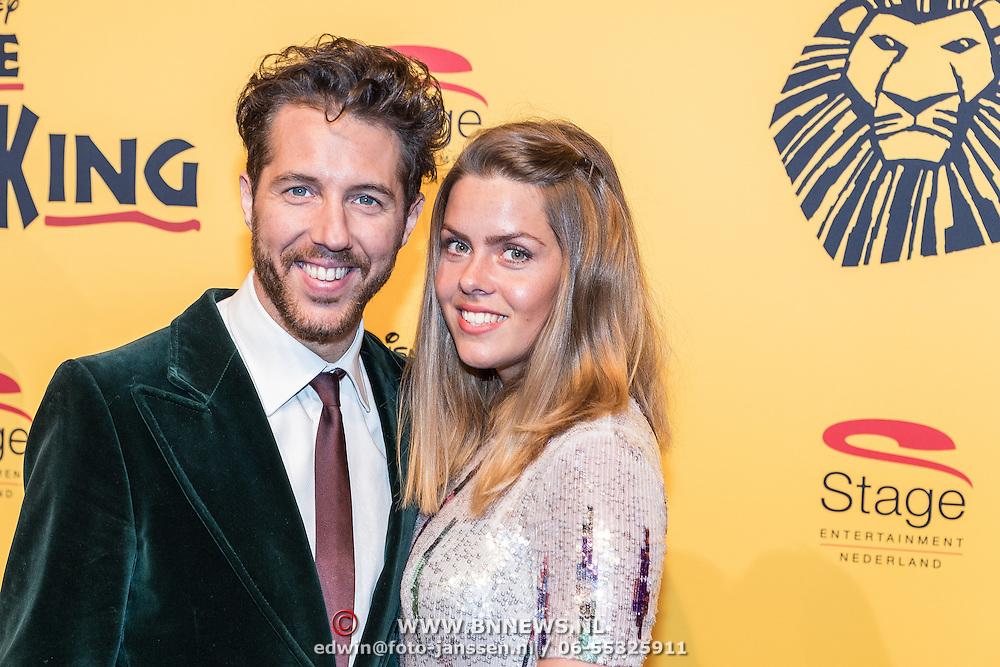 NLD/Scheveningen/20161030 - Premiere musical The Lion King, William Spaaij en partner Daisy Duin
