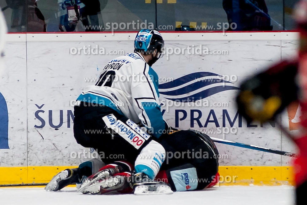 22.03.2016, Ice Rink, Znojmo, CZE, EBEL, HC Orli Znojmo vs EHC Liwest Black Wings Linz, Halbfinale, 5. Spiel, im Bild v.l. Marc-Andre Dorion (Linz), Peter Pucher (HC Orli Znojmo) // during the Erste Bank Icehockey League 5th semifinal match between HC Orli Znojmo and EHC Liwest Black Wings Linz at the Ice Rink in Znojmo, Czech Republic on 2016/03/22. EXPA Pictures © 2016, PhotoCredit: EXPA/ Rostislav Pfeffer