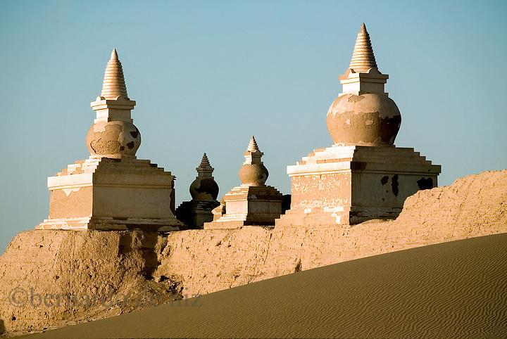Heicheng (The Black City) the ancient city of Xixia . Inner Mongolia, China. Photo: Bernardo De Niz