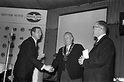 26/03/1963<br /> 03/26/1963<br /> 26 March 1963<br /> M and P Hanlon Ltd. seminar on frozen foods at the Gresham Hotel, Dublin. Mr. F. hardy, managing Director, M and P Hanlon Ltd., sole distributers for Birds-Eye products in Ireland, presenting a docket for a weeks supply of frozen foods to the Lord Mayor of Dublin, Alderman J.J. O'Keeffe T.D., for donation to the National Medical Rehabilitation centre, Dun Laoghaire. Right is Mr. Dermot O'Flynn, member of the Committee of Management of the Centre.