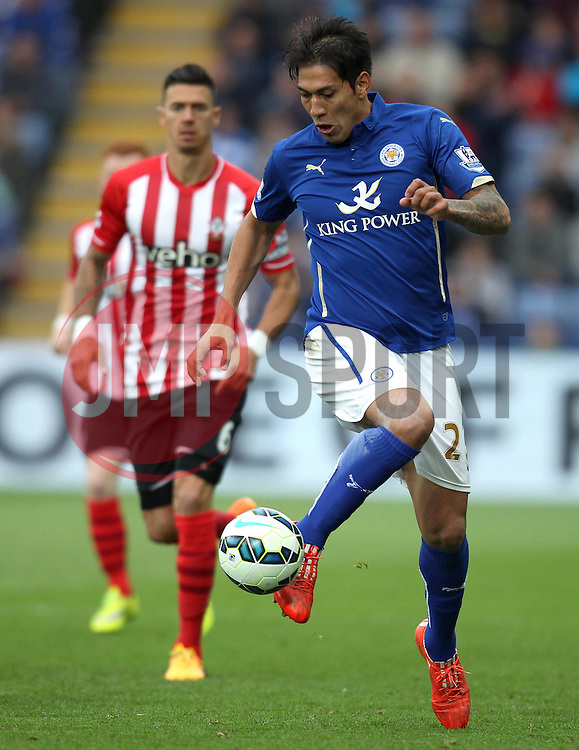 Leicester City's Leonardo Ulloa controls the ball - Photo mandatory by-line: Robbie Stephenson/JMP - Mobile: 07966 386802 - 09/05/2015 - SPORT - Football - Leicester - King Power Stadium - Leicester City v Southampton - Barclays Premier League
