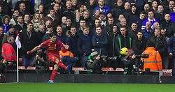 28.01.2014, Anfield, Liverpool, ENG, Premier League, FC Liverpool vs FC Everton, 23. Runde, im Bild Liverpool's Luis Suarez, action against Everton // during the English Premier League 23th round match between Liverpool FC and Everton FC at Anfield in Liverpool, Great Britain on 2014/01/29. EXPA Pictures © 2014, PhotoCredit: EXPA/ Propagandaphoto/ David Rawcliffe<br /> <br /> *****ATTENTION - OUT of ENG, GBR*****