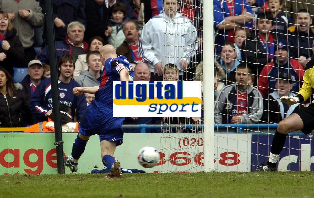 Photo: Olly Greenwood.<br />Crystal Palace v Crewe Alexander. Coca Cola Championship. 15/04/2006. Crystal Palace's Andrew Johnson scores.