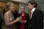 Talk editor Tina Brown seeks advice from actors Hugh Grant and Kristen Scott Thomas at the Talk pre-Golden Globes party. Mondrian Hotel.West Hollywood, California USA20 January 2001. © Copyright Photograph by Dafydd Jones 66 Stockwell Park Rd. London SW9 0DA Tel 020 7733 0108 www.dafjones.com