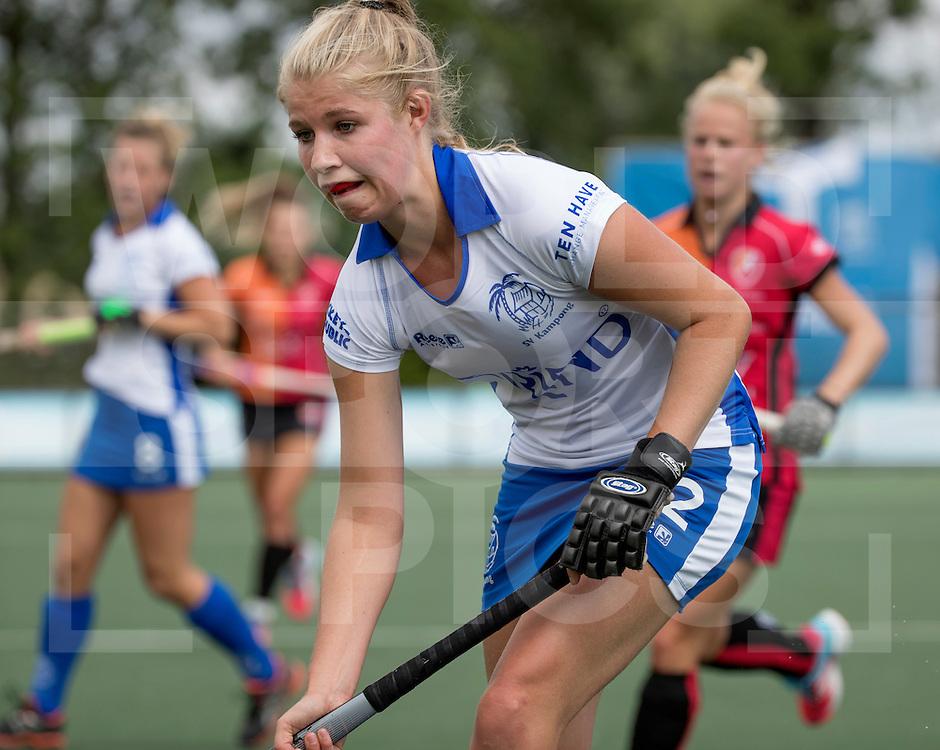 UTRECHT - HOCKEY -  Fleur de Waard (Kampong)   tijdens  de hoofdklasse hockeywedstrijd dames Kampong-Oranje-Rood (0-5) .COPYRIGHT KOEN SUYK
