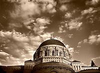 Lisa Johnston   lisa@aeternus.com   Tiwtter: @aeternusphoto  Cathedral Basilica exterior.