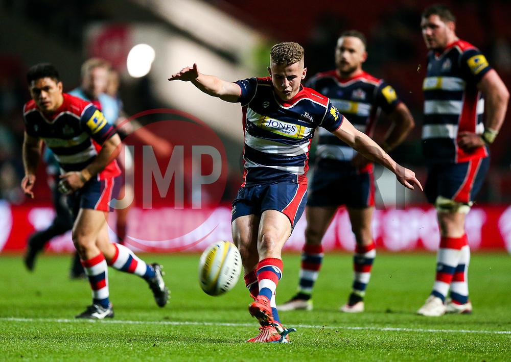 Billy Searle of Bristol Rugby kicks a Penalty - Rogan Thomson/JMP - 24/03/2017 - RUGBY UNION - Ashton Gate Stadium - Bristol, England - Bristol Rugby v Gloucester Rugby - Aviva Premiership.