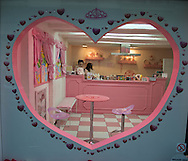 France . Paris. princess crepes store.  /  un magasin de crepes avec un coeur pour decoration