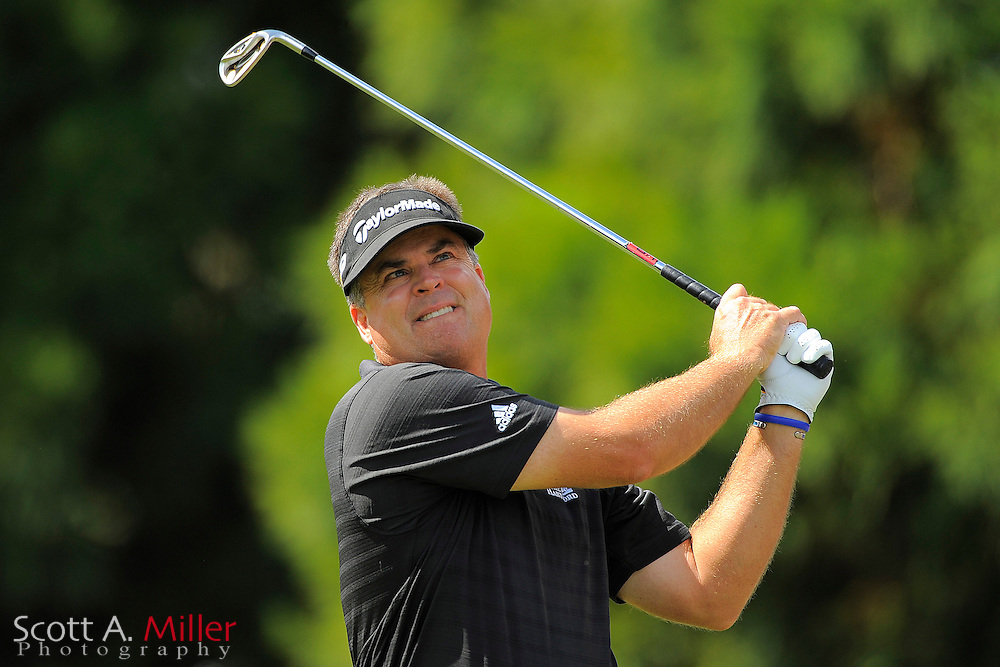 Kenny Perry (USA) tees off on the second hole during the final round of the PGA Tour Championship the final event of the 2009 FedEx Cup at East Lake Golf Club on Sept. 27, 2009 in Decatur, Ga.     ..©2009 Scott A. Miller