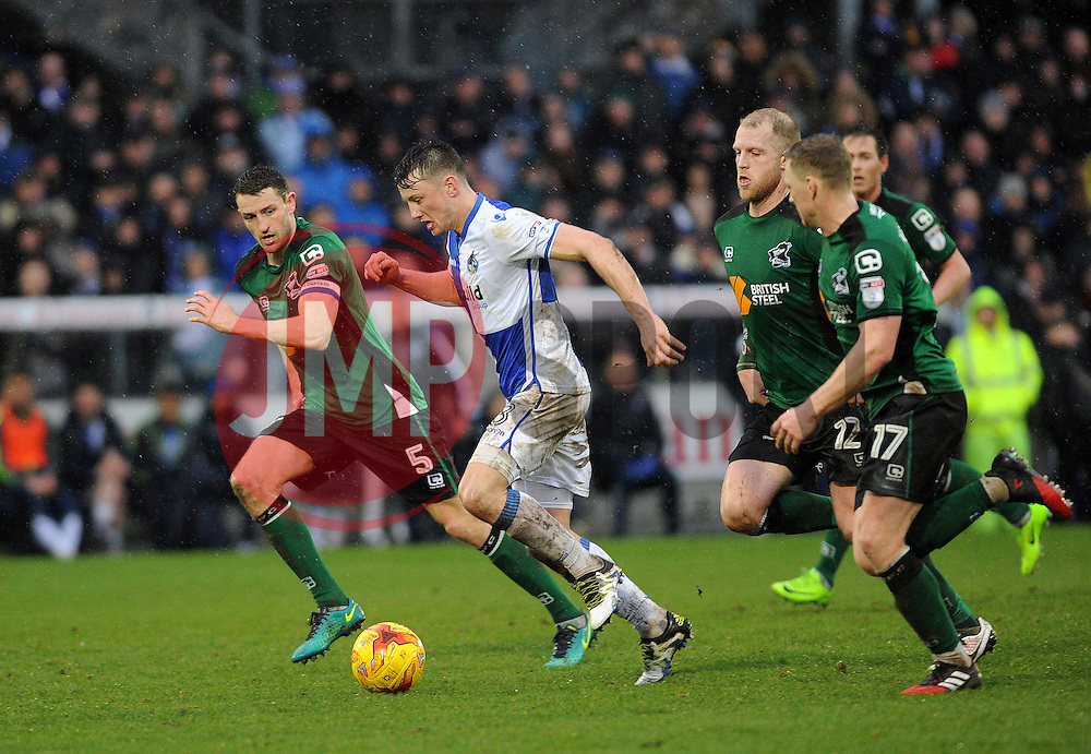 Ollie Clarke of Bristol Rovers gets clear of the Scunthorpe United defence - Mandatory by-line: Neil Brookman/JMP - 25/02/2017 - FOOTBALL - Memorial Stadium - Bristol, England - Bristol Rovers v Scunthorpe United - Sky Bet League One