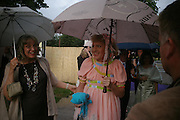 Phillipa and  Grayson Perry. The Serpentine Summer party co-hosted by Jimmy Choo. The Serpentine Gallery. 30 June 2005. ONE TIME USE ONLY - DO NOT ARCHIVE  © Copyright Photograph by Dafydd Jones 66 Stockwell Park Rd. London SW9 0DA Tel 020 7733 0108 www.dafjones.com