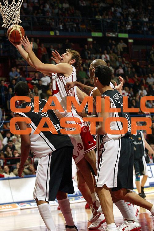 DESCRIZIONE : Milano Lega A1 2005-06 Armani Jeans Milano Whirlpool Varese <br />GIOCATORE : Galanda<br />SQUADRA : Armani Jeans Milano<br />EVENTO : Campionato Lega A1 2005-2006<br />GARA : Armani Jeans Milano Whirlpool Varese<br />DATA : 08/01/2006<br />CATEGORIA : Tiro<br />SPORT : Pallacanestro<br />AUTORE : Agenzia Ciamillo-Castoria/S.Ceretti