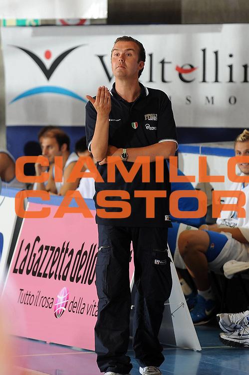 DESCRIZIONE : Bormio Torneo Internazionale Diego Gianatti Italia Iran<br /> GIOCATORE : Simone Pianigiani<br /> SQUADRA : Nazionale Italia Uomini <br /> EVENTO : Torneo Internazionale Guido Gianatti<br /> GARA : Italia Iran<br /> DATA : 11/07/2010<br /> CATEGORIA : ritratto coach<br /> SPORT : Pallacanestro <br /> AUTORE : Agenzia Ciamillo-Castoria/GiulioCiamillo<br /> Galleria : Fip Nazionali 2010 <br /> Fotonotizia : Bormio Torneo Internazionale Diego Gianatti Italia Iran<br /> Predefinita :