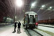 The Polar Arrow train from Moscow to Labytnangi during a station break.