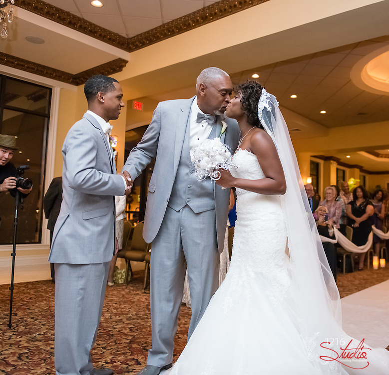Roderick & Jasmine Wedding Album The Palms Venue New Orleans  Wedding Photography 1216 Studio Photographers