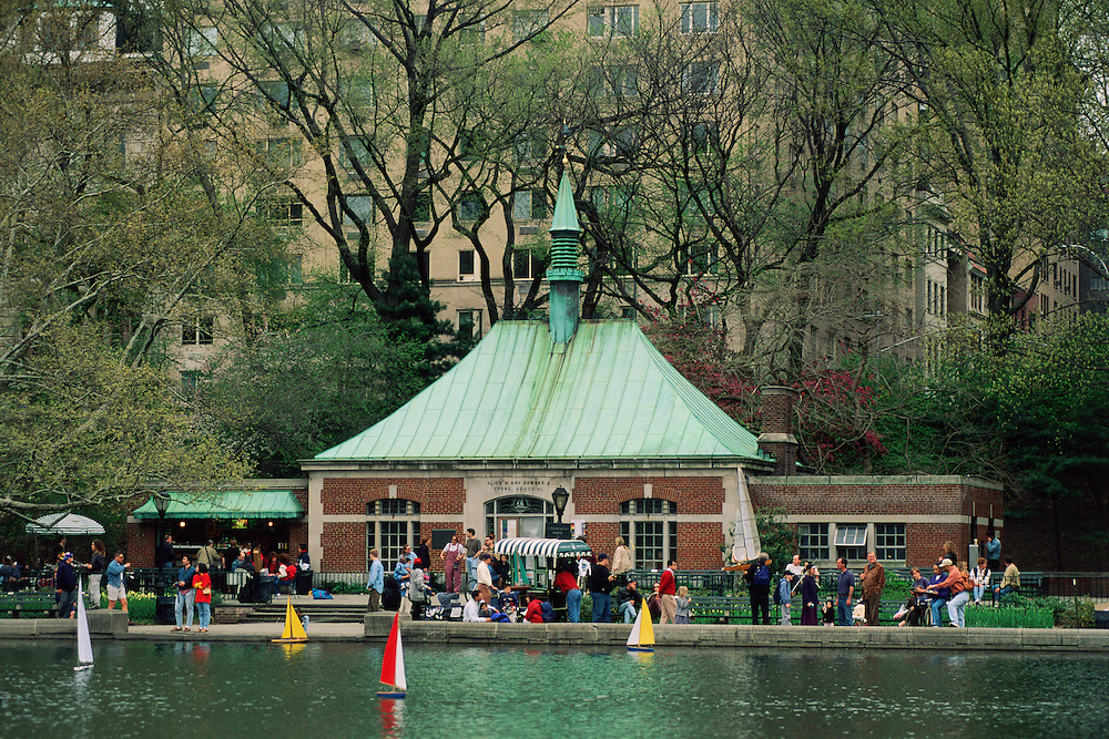 Central Park, New York City, New York, Manhattan, Conservatory Pond, Sailing pond, model sailing boats