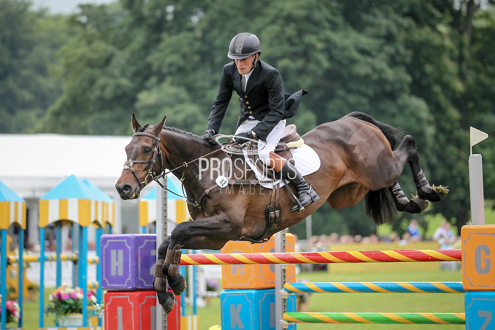 DRUMBILLA METRO ridden by Simon Grieve during the final jumping event at Bramham International Horse Trials 2016 at  at Bramham Park, Bramham, United Kingdom on 12 June 2016. Photo by Mark P Doherty.