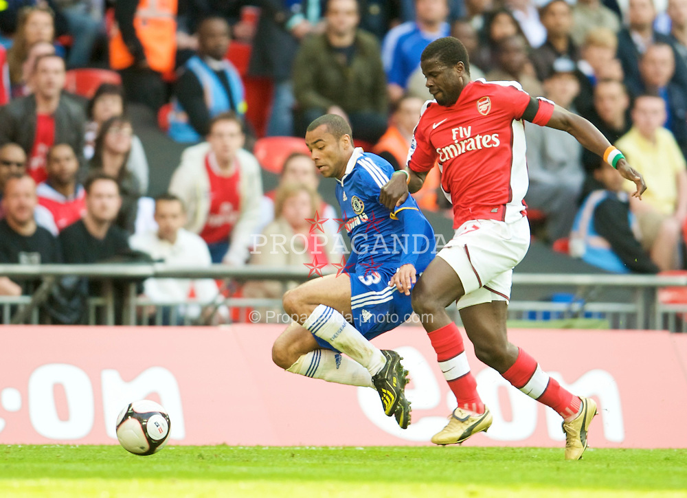 LONDON, ENGLAND - Saturday, April 18, 2009: Arsenal's Alexandre Song and Chelsea's Ashley Cole during the FA Cup Semi-Final match at Wembley. (Photo by: David Rawcliffe/Propaganda)