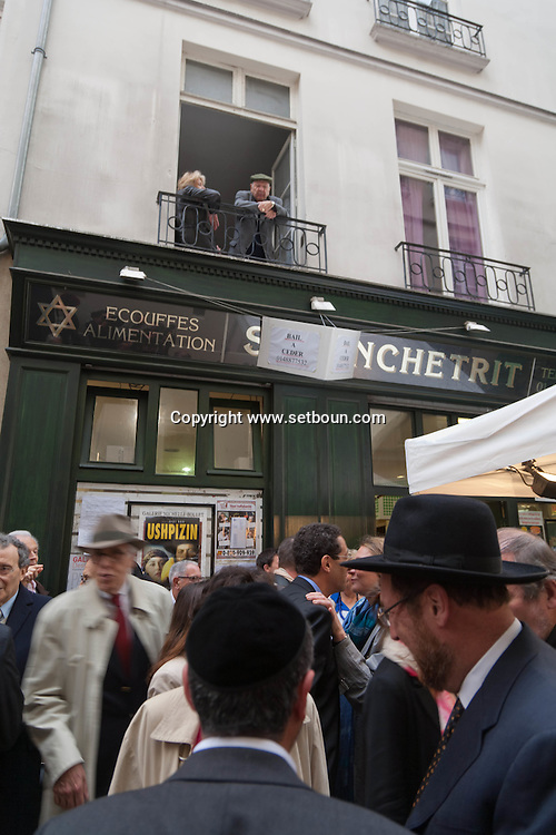 = The marais, jewish area, ceremony for the grand rabbi Kaplan born 21 rue des ecouffes  Paris +