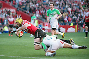 Lions v Highlanders. Lourens Erasmus of the Emirates Lions diving over for his try with Aaron Smith of the Highlanders too late to stop him during the 2016 Super Rugby semi-final match at Ellis Park, Johannesburg, 30 July 2016. <br /> <br /> © Anton de Villiers / www.photosport.nz