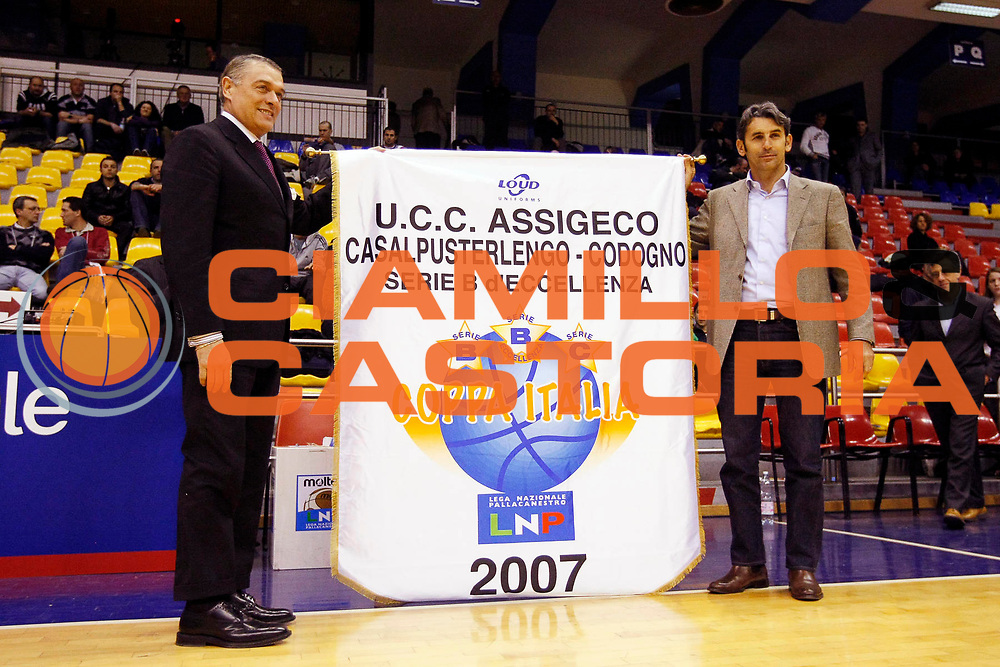 DESCRIZIONE : Milano Lega Nazionale Pallacanestro B Eccellenza 2007-08 Coppa Italia Finale Banca Nuova Trapani Consum.it Siena <br /> GIOCATORE : Curioni<br /> SQUADRA : Assigeco Casalpusterlengo <br /> EVENTO : Lega Nazionale Pallacanestro B Eccellenza 2007-2008 <br /> GARA : Banca Nuova Trapani Consum.it Siena <br /> DATA : 20/03/2008 <br /> CATEGORIA : Premiazioni<br /> SPORT : Pallacanestro <br /> AUTORE : Agenzia Ciamillo-Castoria/G.Cottini