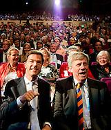 ROTTERDAM - Mark Rutte neemt het applaus in ontvangst na zijn speech op het verkiezingscongres van de VVD.