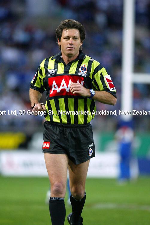 13 September 2003, Rugby League NRL Playoffs, Canterbury Bulldogs v New Zealand Warriors, Sydney Showgrounds, Australia.<br />Referee Bill Harrigan. Warriors won 48-22.<br />Pic: Sandra Teddy/Photosport