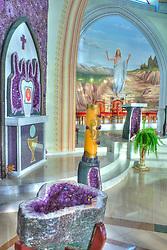 Ametista do Sul teve sua origem na década de 1940. A Igreja Matriz foi decorada com mais de 40 toneladas da pedra ametista e com enormes geodos. Seu interior traz pinturas lindíssimas com passagens bíblicas, transformando-a em uma verdadeira obra de arte. FOTO: Jefferson Bernardes/ Agência Preview