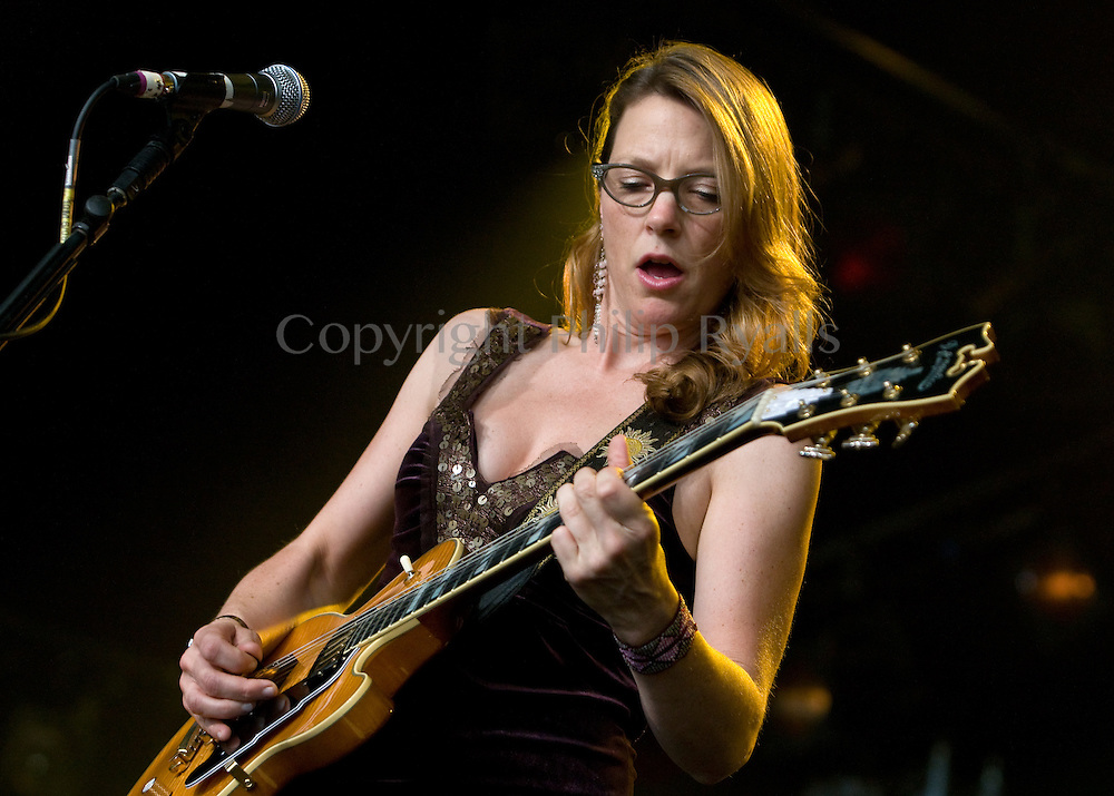 Susan Tedeschi, Cambridge Folk Festival, 31st July 2009.