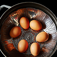 hard cook eggs in a steamer