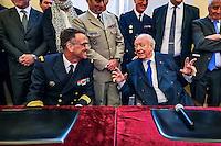 L&rsquo;association des villes marraines a officialise le 6 juillet 2016 la decision du conseil municipal de la ville de Marseille de parrainer le Batiment de projection et de commandement (BPC) Dixmude.Une escale du Dixmude &agrave; Marseille, le 13 janvier 2017, a permit la signature de la charte de jumelage par monsieur le maire, Jean-Claude Gaudin (D) et le capitaine de vaisseau &Eacute;ric Lavault(G), commandant le BPC Dixmude, en presence du Vice Amiral Charles-Henri Gari&eacute;.<br /> Plus grand batiment de guerre apres le porte-avions Charles de Gaulle, le Dixmude se distingue par sa polyvalence et sa capacite a se deployer loin et longtemps. Porte-helicoptere specialise dans les assauts amphibies et heliportes, il est capable de deployer un effectif de 450 hommes et 16 helicopteres de combat. Sa zone etat-major, son hopital et ses capacites de stockage hors-normes lui permettent de soutenir des operations d&rsquo;envergure.