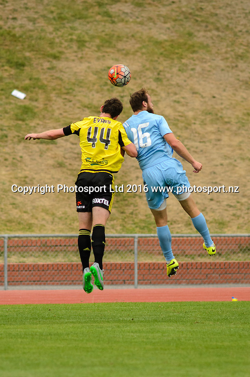 Louis Evans and Hamish Watson contest for ball during ASB premiership Wellington Phoenix vs. Hawke's Bay United match at Newtown Park, Wellington, New Zealand. Saturday 6th February  2016. Copyright Photo: Elias Rodriguez / www.Photosport.nz