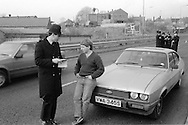 Miners pickets stopped at a Police road block on the Nottinghamshire border. 28 March 1984