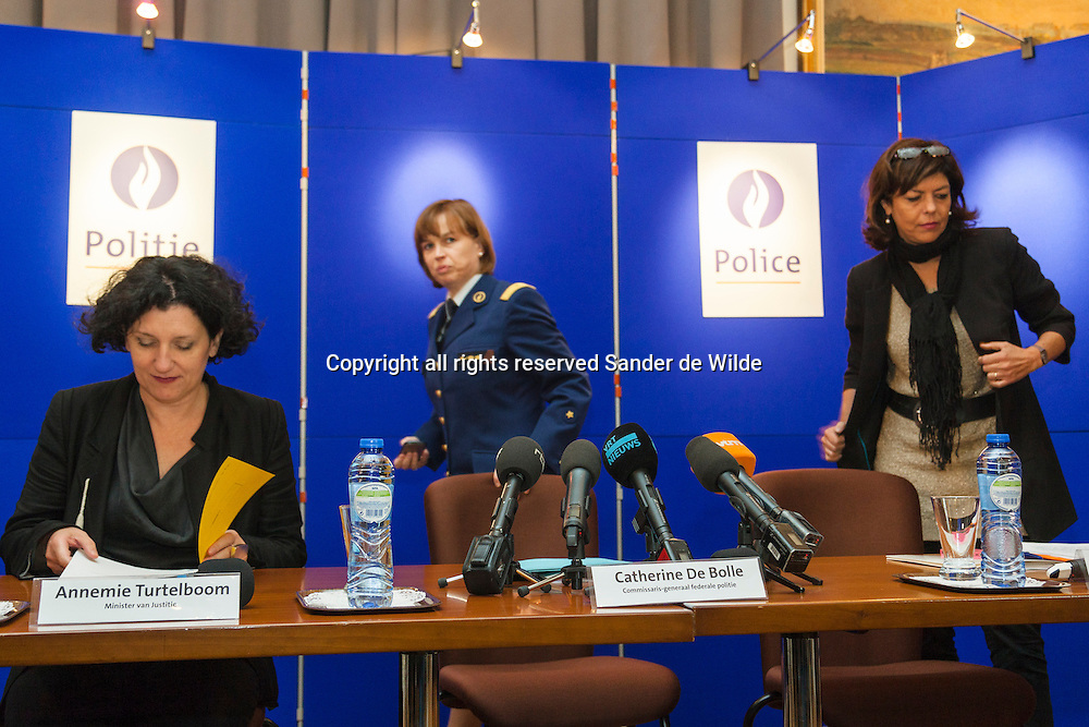 Brussels 2012 09 20 press conference on the future of the federal police in Belgium. From left to right mrs Annemie Turtelboom, minister of Justice, Catherine De Bolle, General Commisionar Federal Police, and Joëlle Milquet, minister of Internal Affairs. The heads of justice, internal affairs and police are all women.